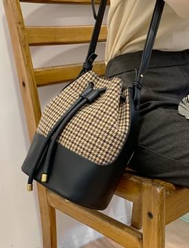 Vintage Check Bucket Shoulder Bag