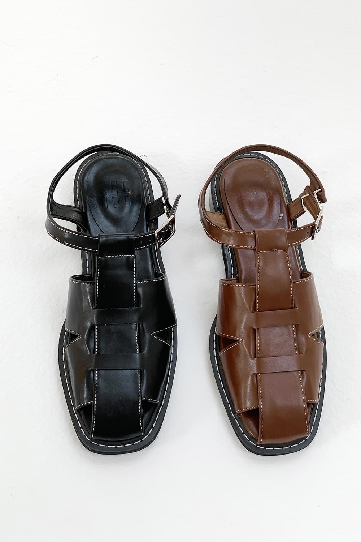Ri Sandals