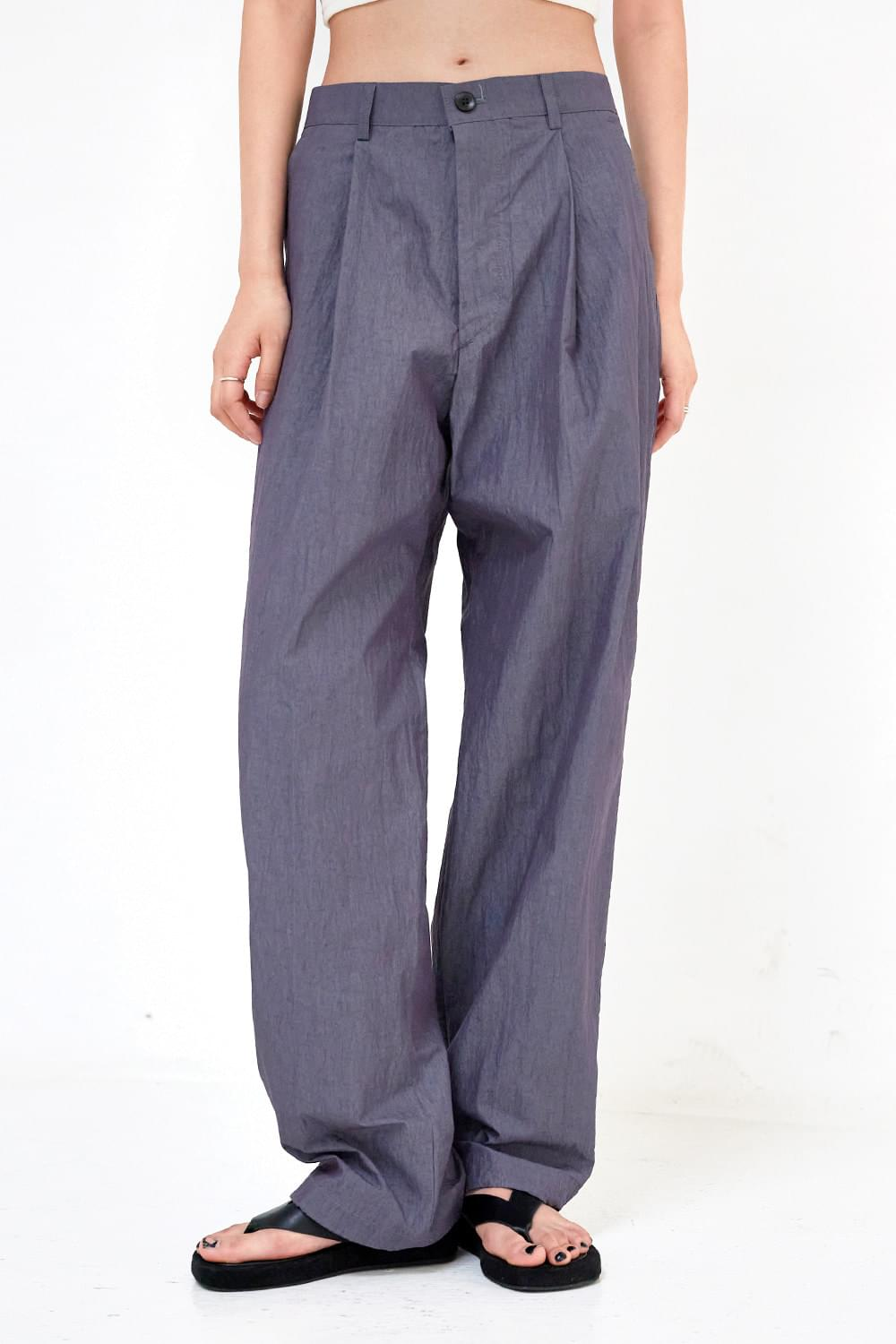 wide-string jogger trousers