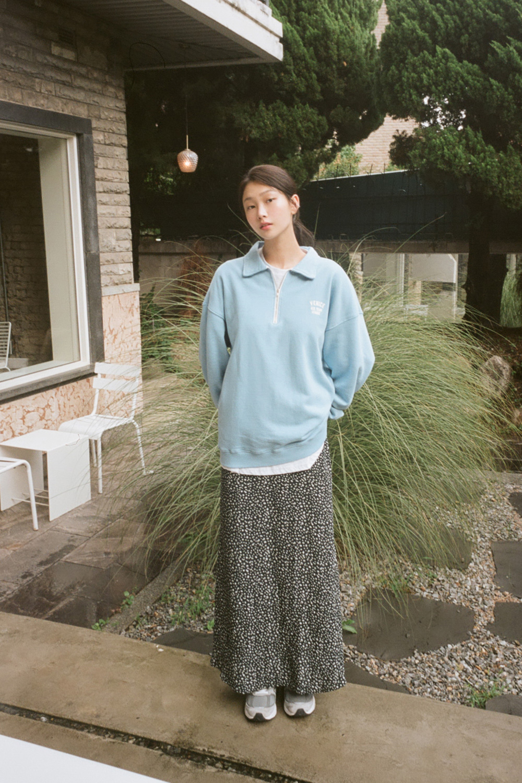 Your half zip-up collar Sweatshirt