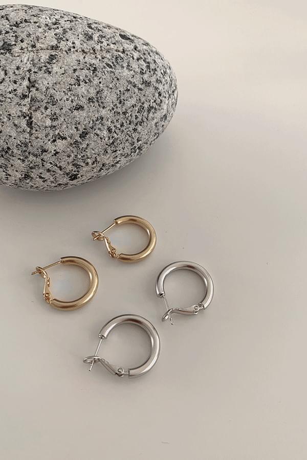 Jay Basic Ring Earrings
