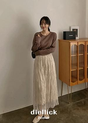 The Elique Wrinkle Lace See-through Banding Long Skirt
