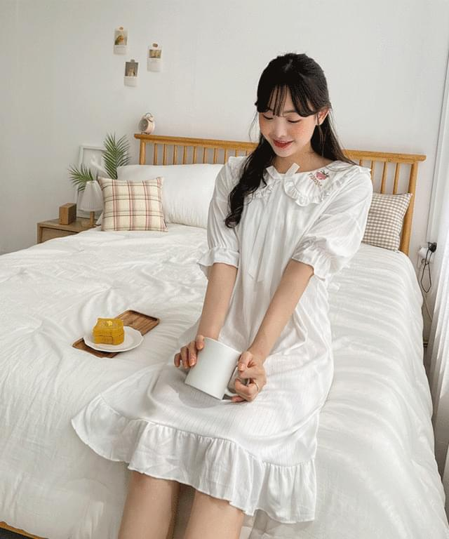 Big Size 55-120 Reco Strawberry Embroidery Pajama Dress