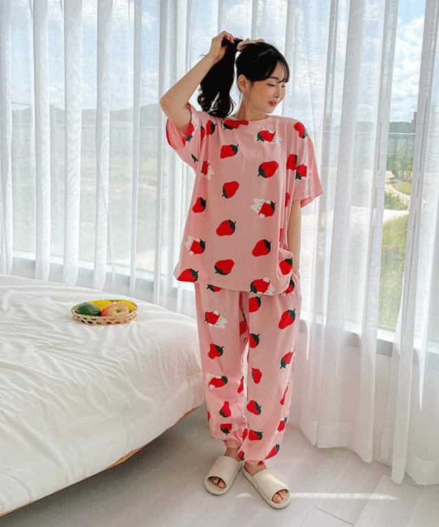 Big Size 55-120 Strawberry Print Jogger Pants Pajama Set