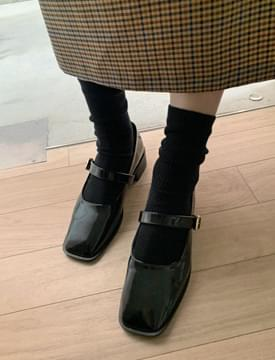 Glossy Buckle Mary Jane Shoes