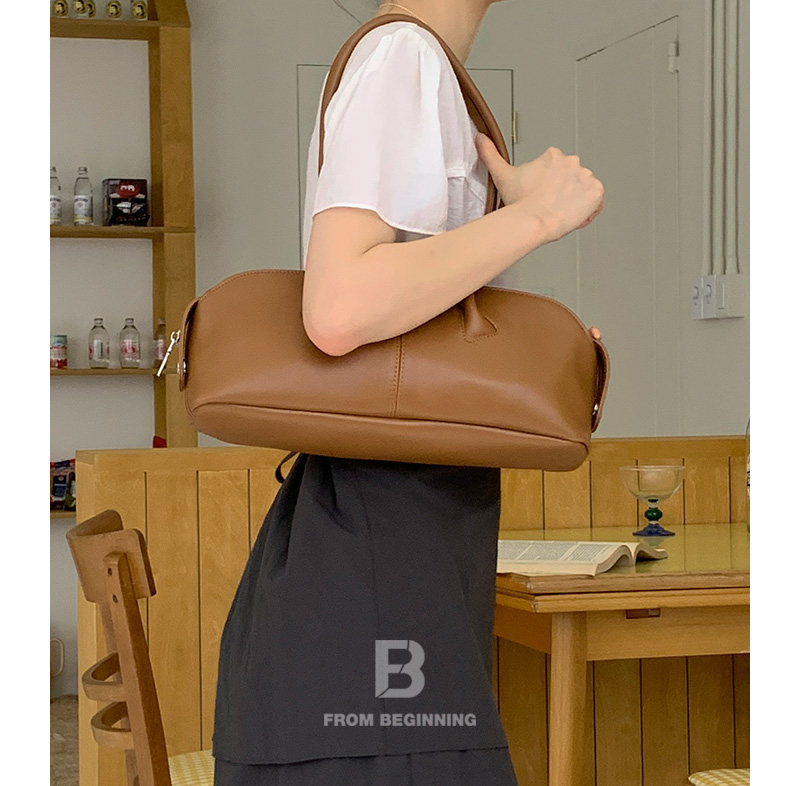 May flat boston shoulder bag