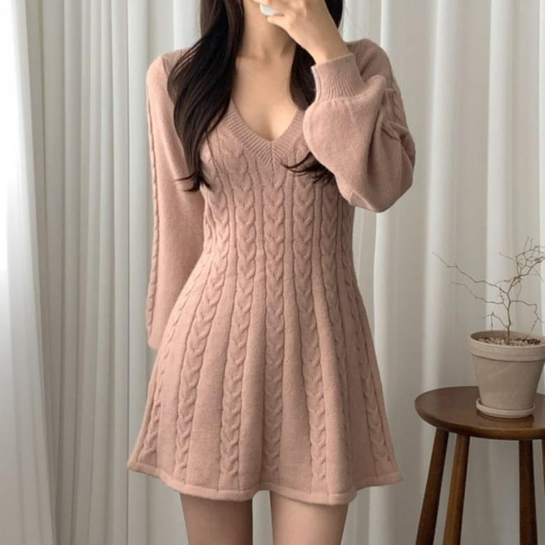 Juri Twist V Neck Knitwear Dress
