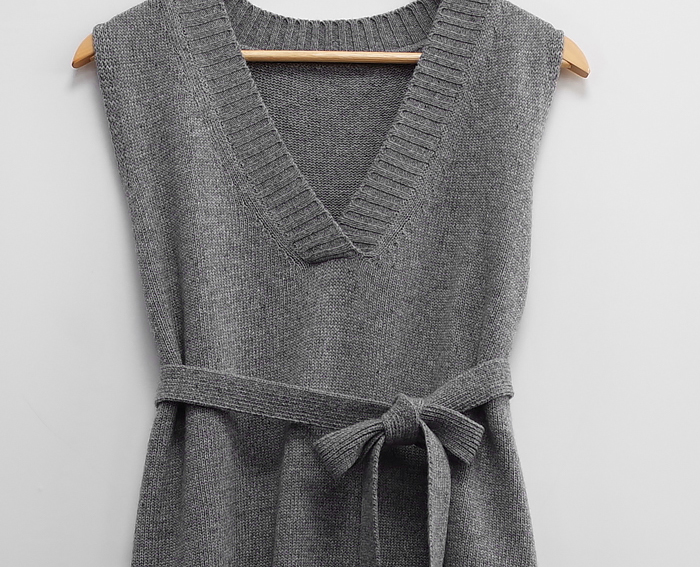sheathed knitwear vest layered ops