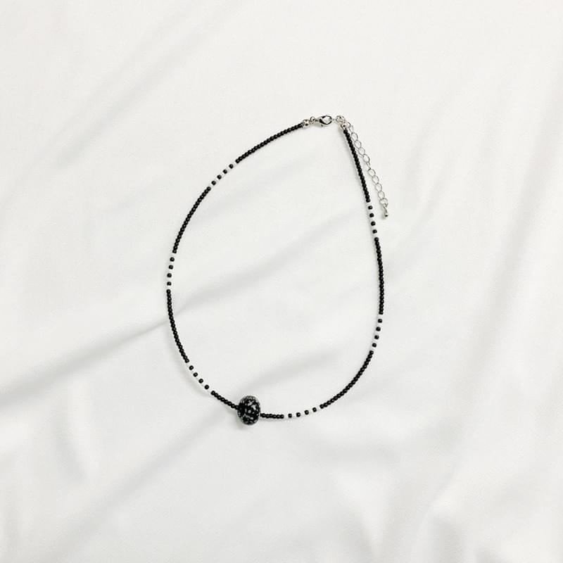 Bark Circle Beaded Necklace