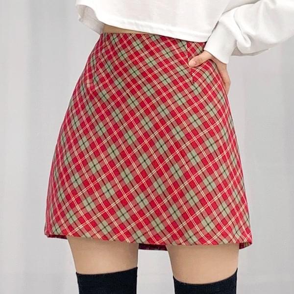 Dual Check Back Banding Skirt