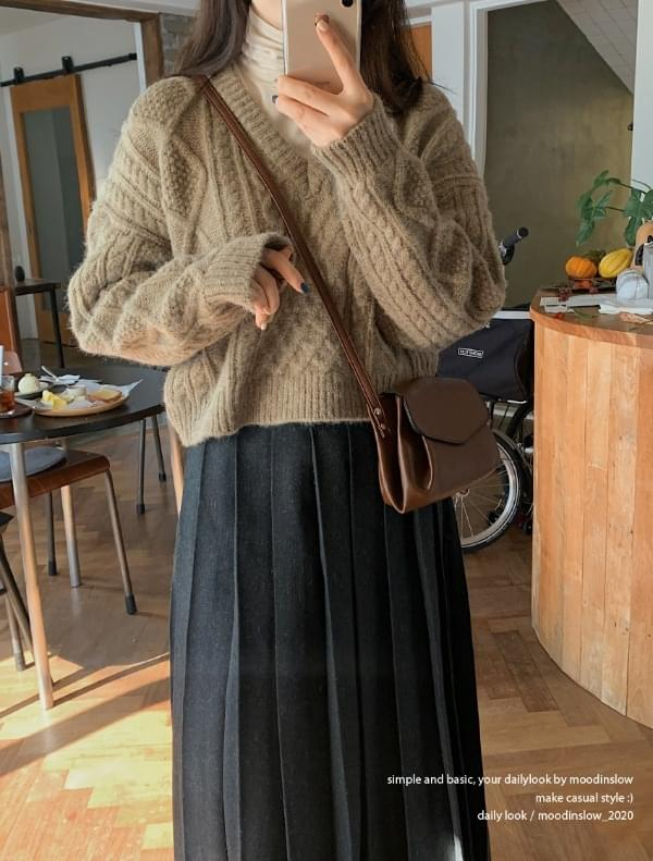 Crop Cable V-Neck Knitwear 針織衫
