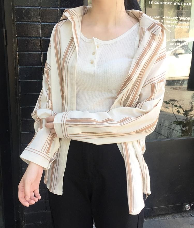 ESSAYLoose Fit Stripe Shirt