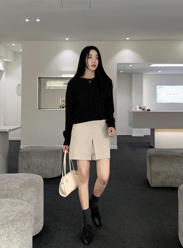 one pleated mini skirt