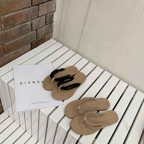 Ethnic rattan shorts slippers