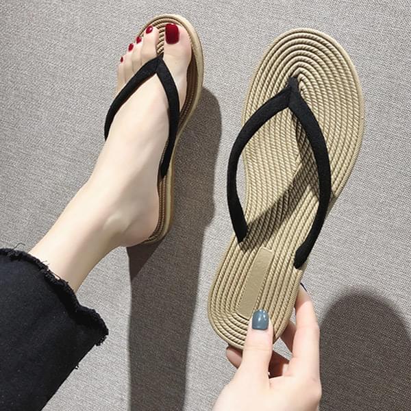 single row rattan shorts slippers