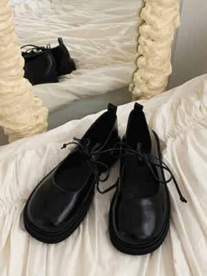 round mary jane shoes
