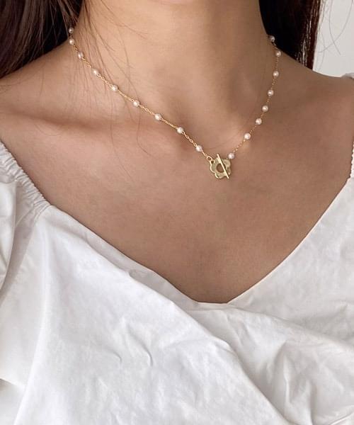 smile flower necklace