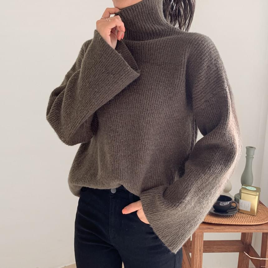 Berry Sleeve Knitwear