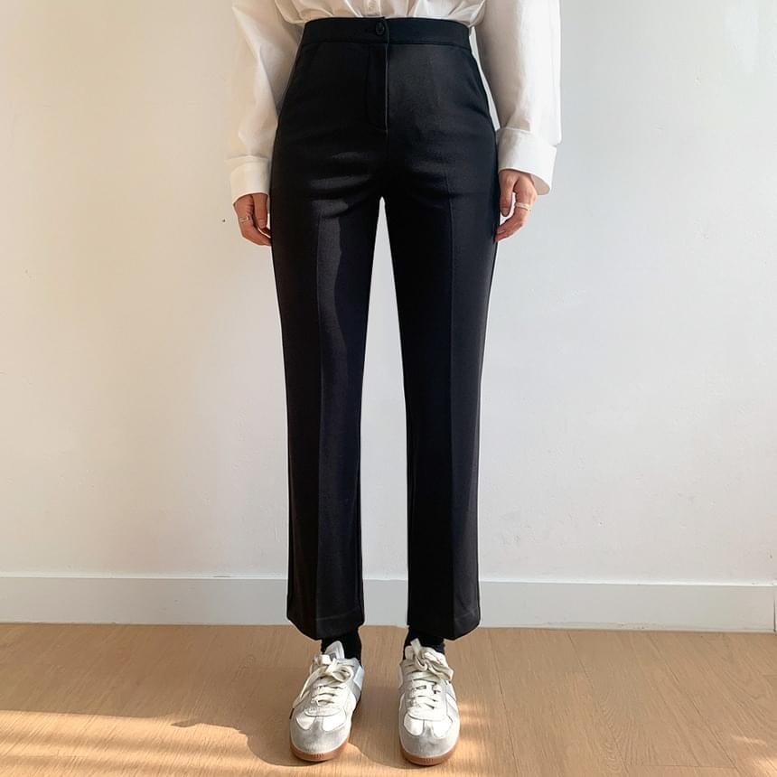 World-friendly Fleece-lined basic slacks