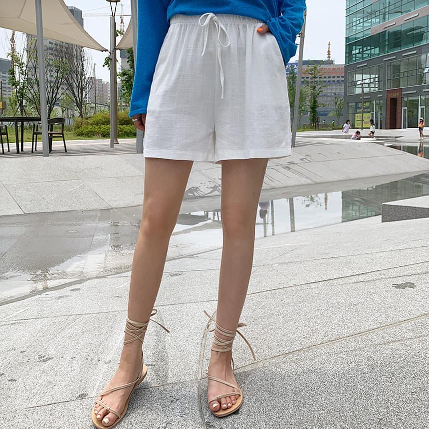 Comfortable linen shorts