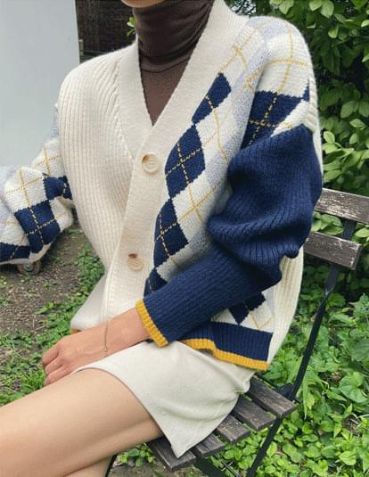 Argyle two-tone color cardigan