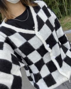 Checker V Wool Knitwear Cardigan