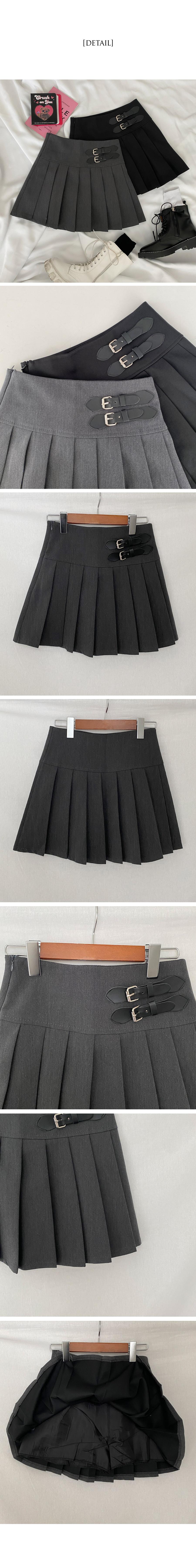 buckle pleated mini skirt