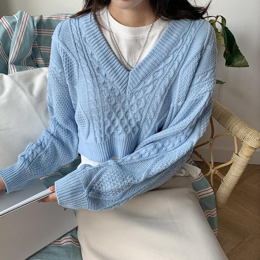 Quark V crop Knitwear