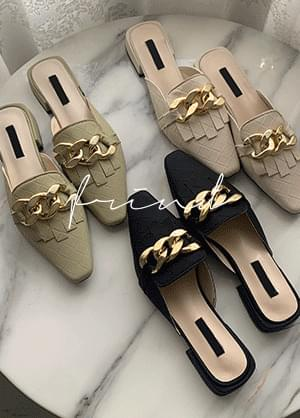 printed gold chain mules