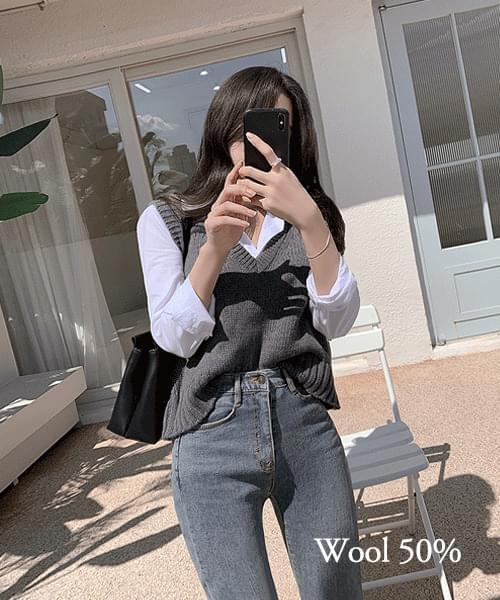 V-Neck Wool 50% V-Neck Knitwear Vest