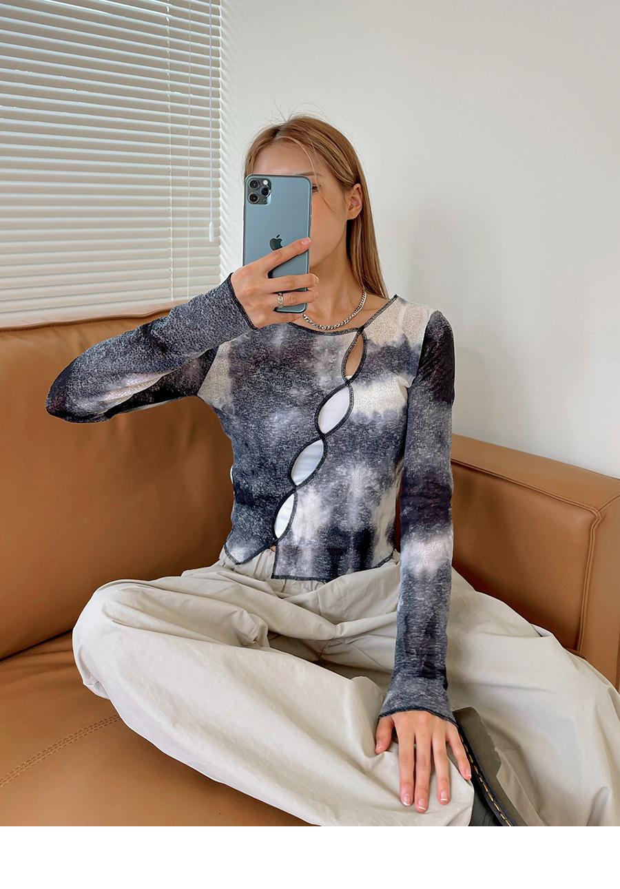 Royce's unique diagonal slit water print T-shirt