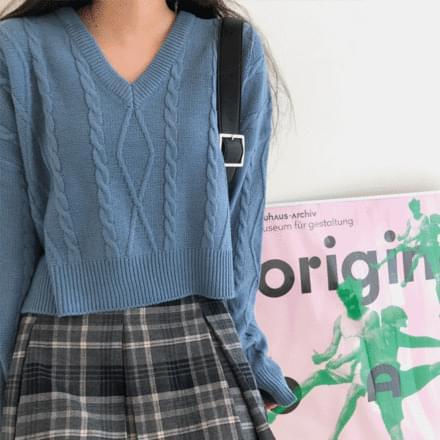 Zuni Twisted Knitwear