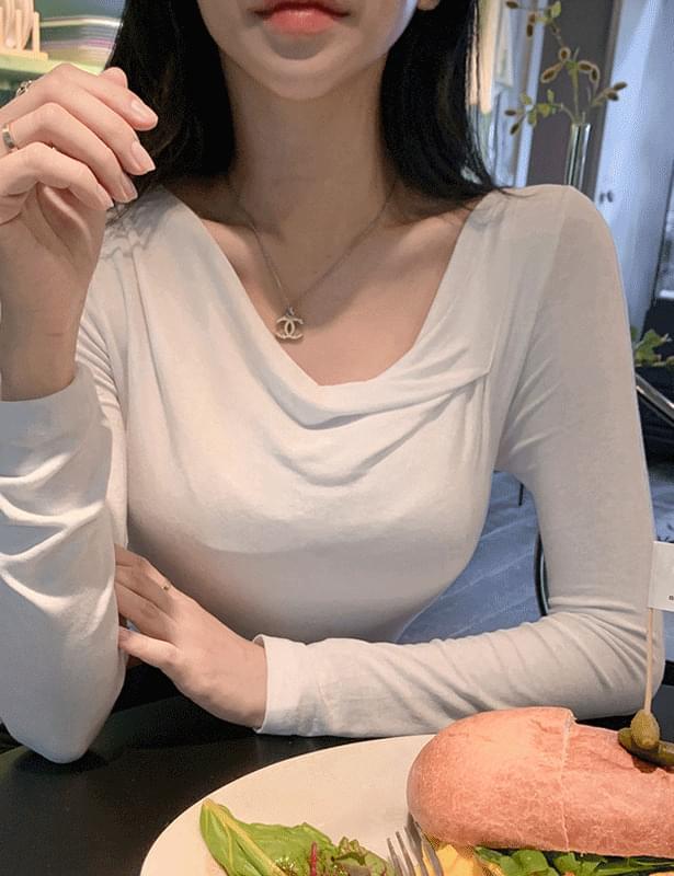 novil drape long sleeve t