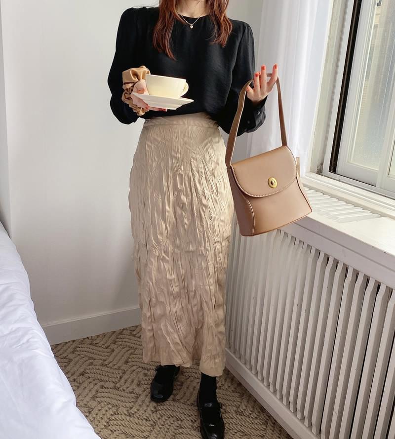 Milky Leather Pleated Skirt