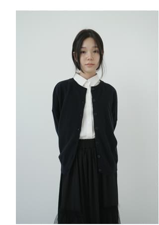 basic round neck cardigan