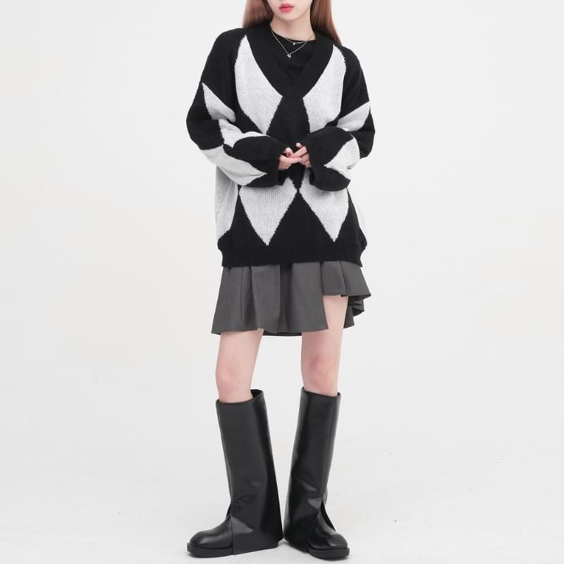 Keisha Argyle V-Neck Knitwear
