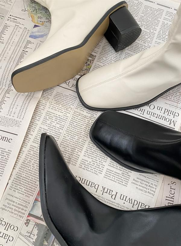 modern Split ankle boots 靴子