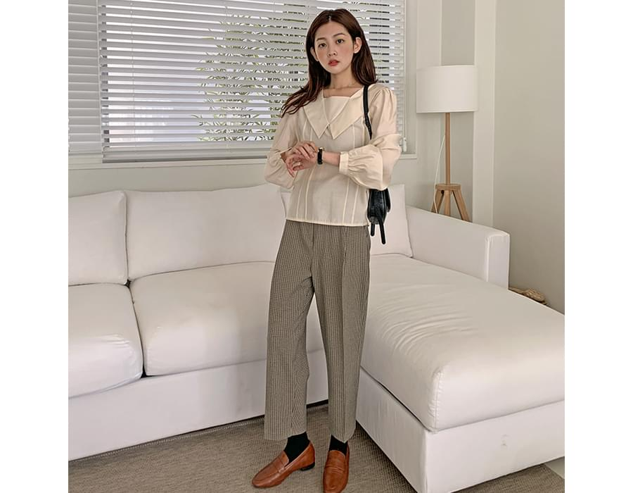 wide collar pintucked blouse