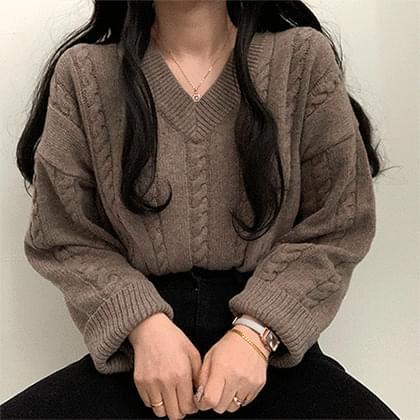 Pretty V-Neck Wool Knitwear