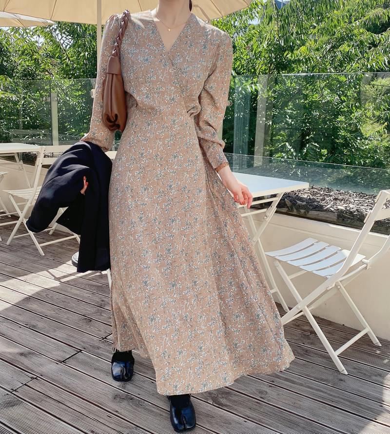 Vita V Dress