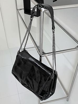 square chain flap shoulder bag