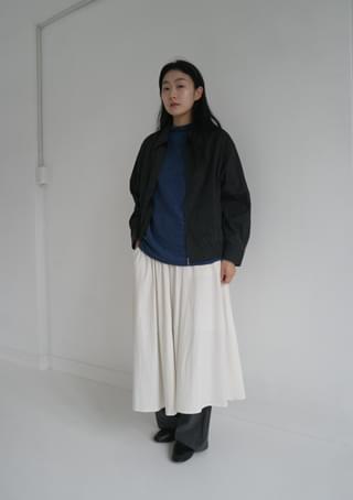 flared full skirt