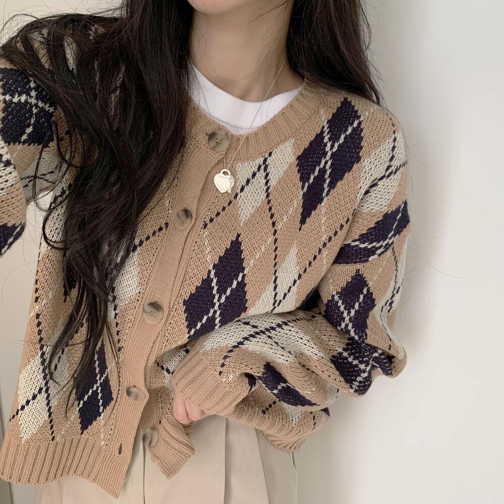 wool diamond round neck cardigan