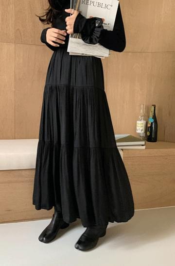 Silky Shirring Tiered Long Skirt
