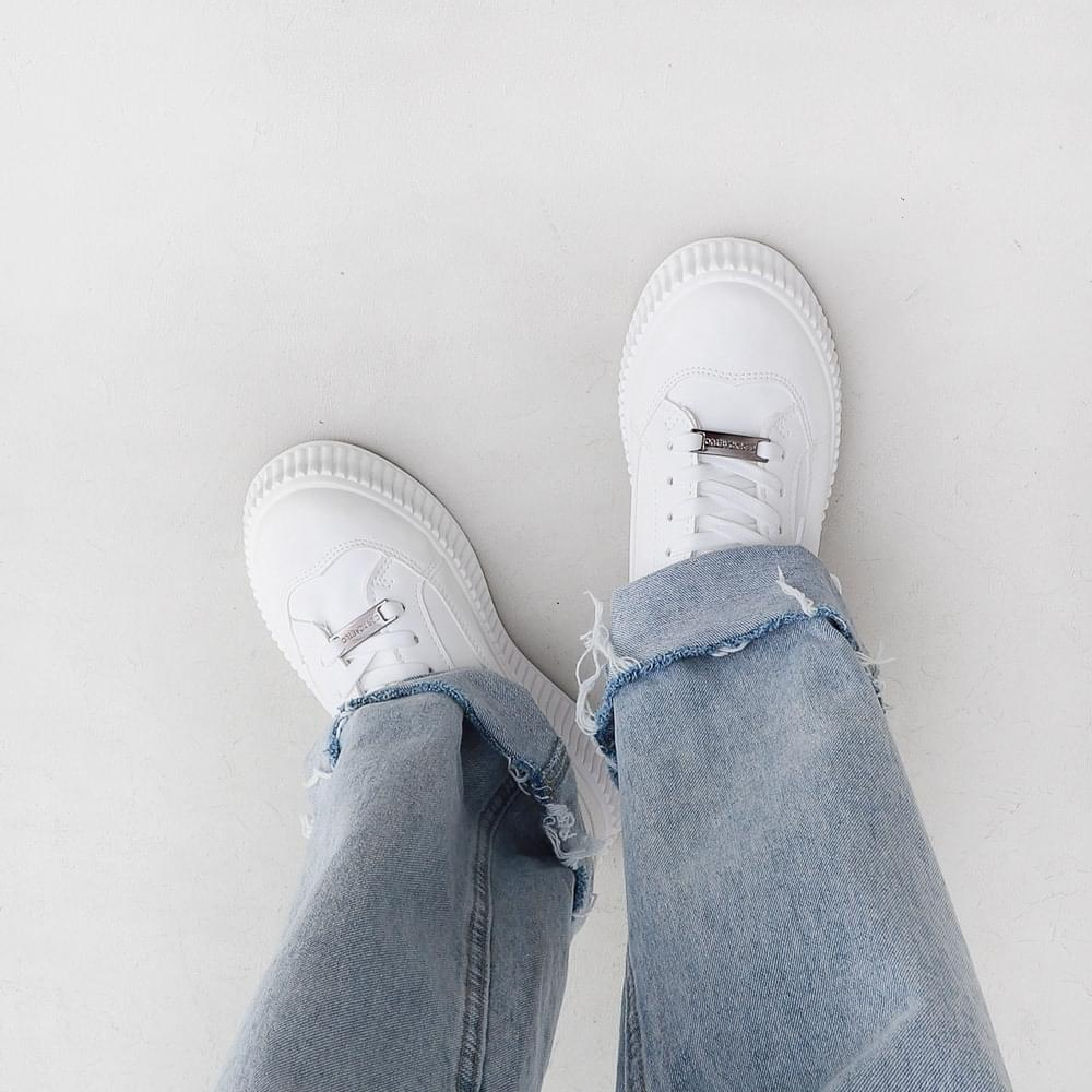 Simple Basic White Whole Heel Sneakers 11102