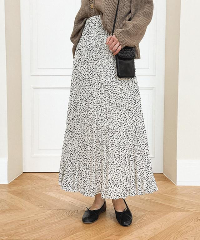Big Size 26-34 Inch Milky Pattern Pleated Banding Long Skirt