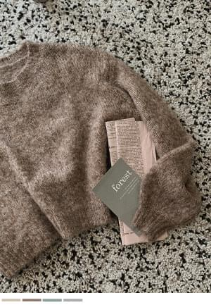 Cozy Melody Crop Knitwear