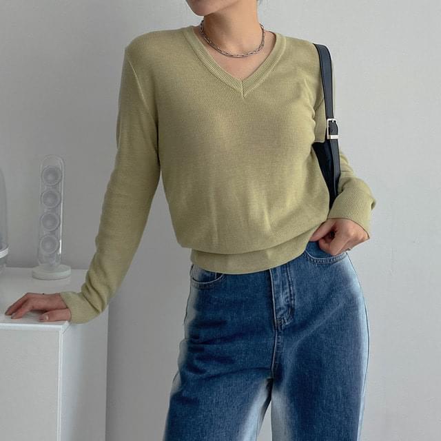New Moon V-Neck Long Sleeve Knitwear T-Shirt
