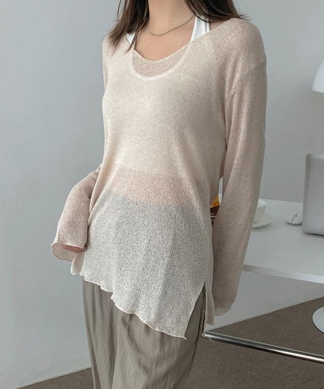 Ozen V-Neck See-through Knitwear Tee