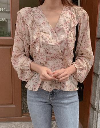 Soromantic frill wrap blouse